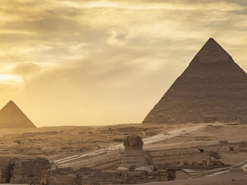 Egipto. Acceso privado al área de las pirámides