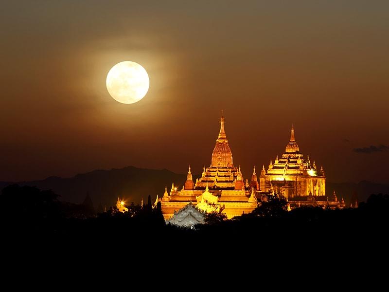 Myanmar. Cenar en privado a la luz de las velas