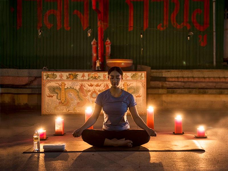 Tailandia. Conectar el cuerpo y la mente en una clase privada de yoga