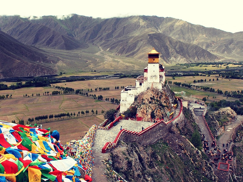 Tibet y Nepal. Atravesar las puertas del Monasterio Shyalpa Tenzing