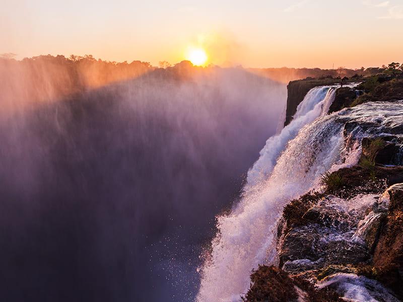 Zambia. Disfrutar de un baño en la Piscina del Diablo