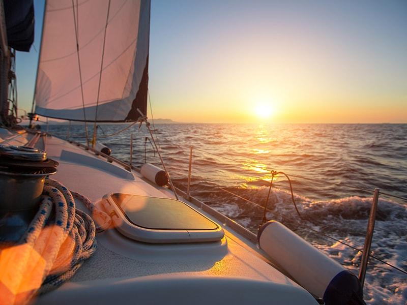 Costa Rica. Disfrutar del atardecer en un catamarán privado