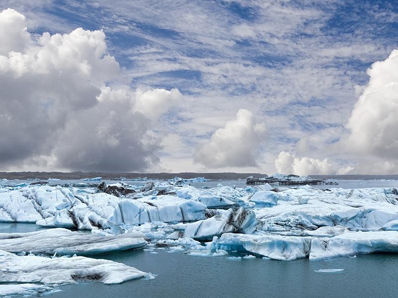 Islandia. Navegar entre icebergs